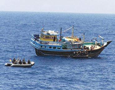 """واشنطن تحذر السفن قبالة اليمن من هجوم لـ """"القاعدة"""" 89925"""