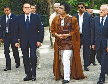 القذافي يدعو لأن يصبح الإسلام 115392.jpg