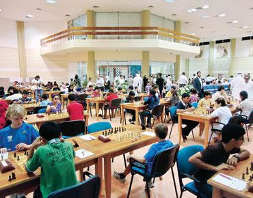 لاعبات الإمارات ينافسن على طاولات المقدمة للشطرنج 164022