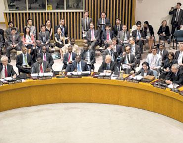 """""""فيتو مزدوج"""" حول سوريا وأمريكا تلوح بالعمل خارج مجلس الأمن"""