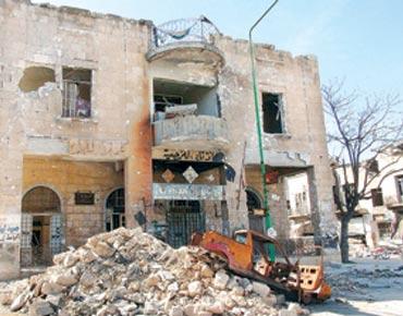 """مجلس حقوق الإنسان :إدانات دولية للانتهاكات وتفجير """"مسجد الإيمان"""" في سوريا"""