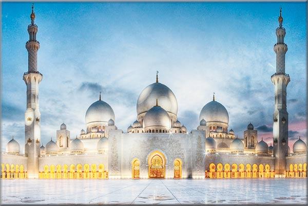 جامع الشيخ زايد الكبير نواة الخير في الشهر الفضيل