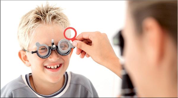 1ee83767b ... فيما تعود الأخرى إلى أسباب وراثية يصعب التكهن بوقت حصولها، غير أن  مراجعة الطبيب بشكل منتظم واعتماد الفحص الدوري لحالة البصر يمكنهما تقليل  نسبة المخاطر ...